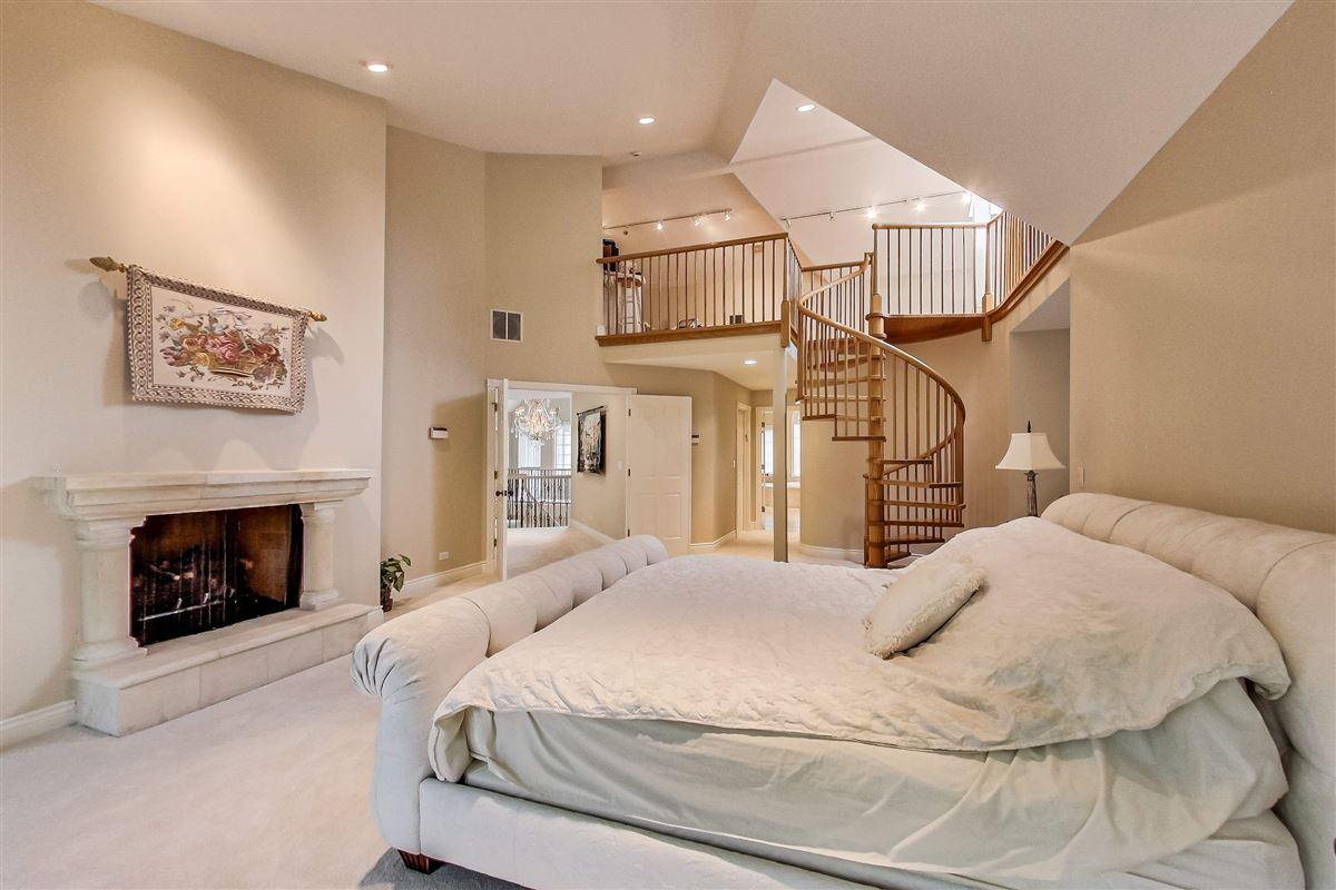 elegant home in Devonshire mansions