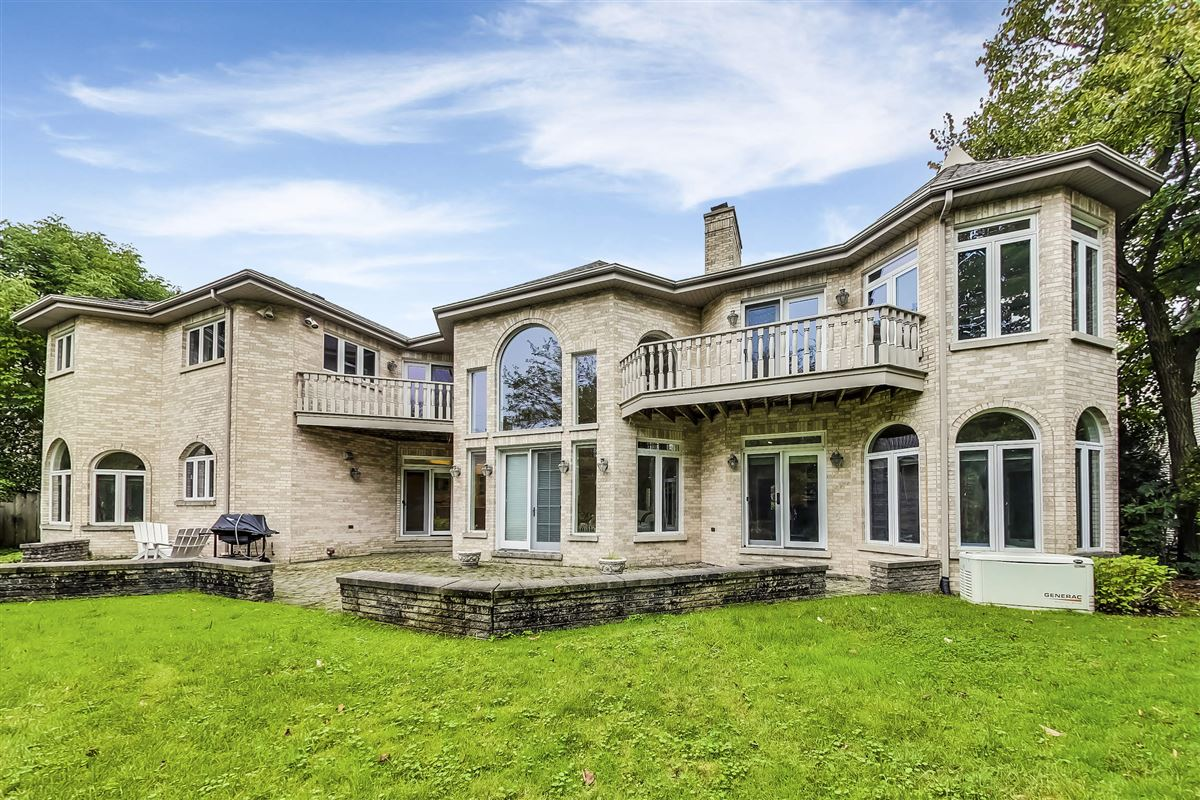 elegant home in Devonshire luxury properties