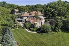 remarkable home in East Kenilworth mansions