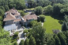 Mansions in remarkable home in East Kenilworth