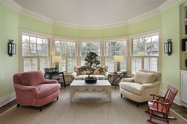 Luxury real estate remarkable home in East Kenilworth