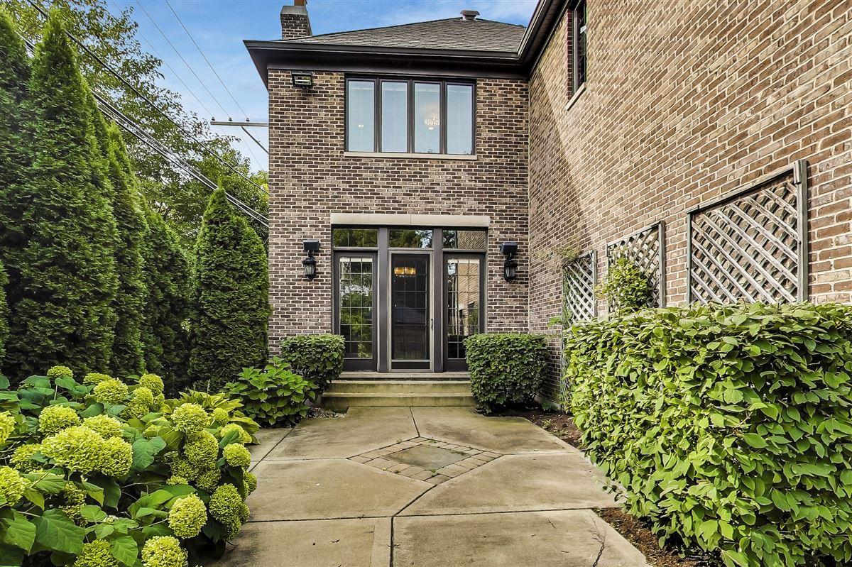 Luxury homes An enchanting home awaits