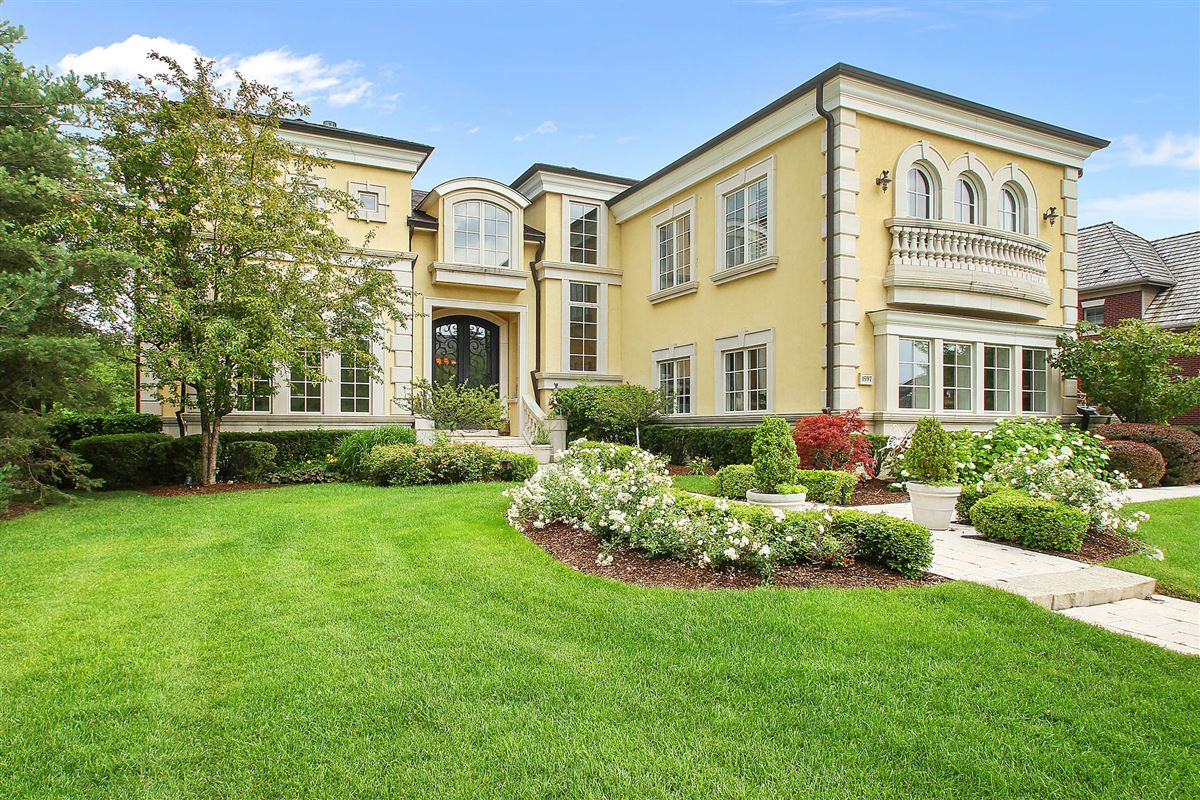 palatial estate for entertaining and luxury luxury real estate