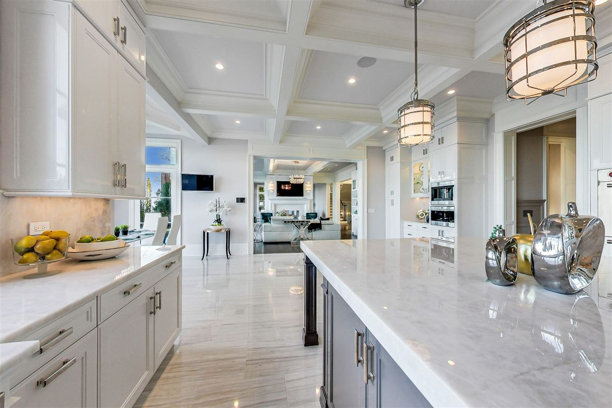 Mansions in amazing lakefront opportunity
