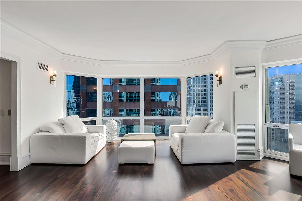 Chicago Place condo luxury real estate