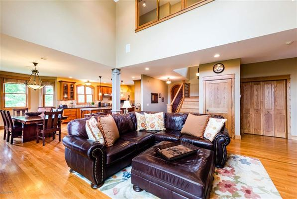 Luxury homes in beautiful contemporary craftsman style home