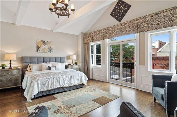 stunning all brick single family home luxury properties