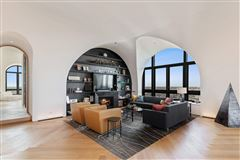 Mansions remarkable penthouse in the prestigious LP2550