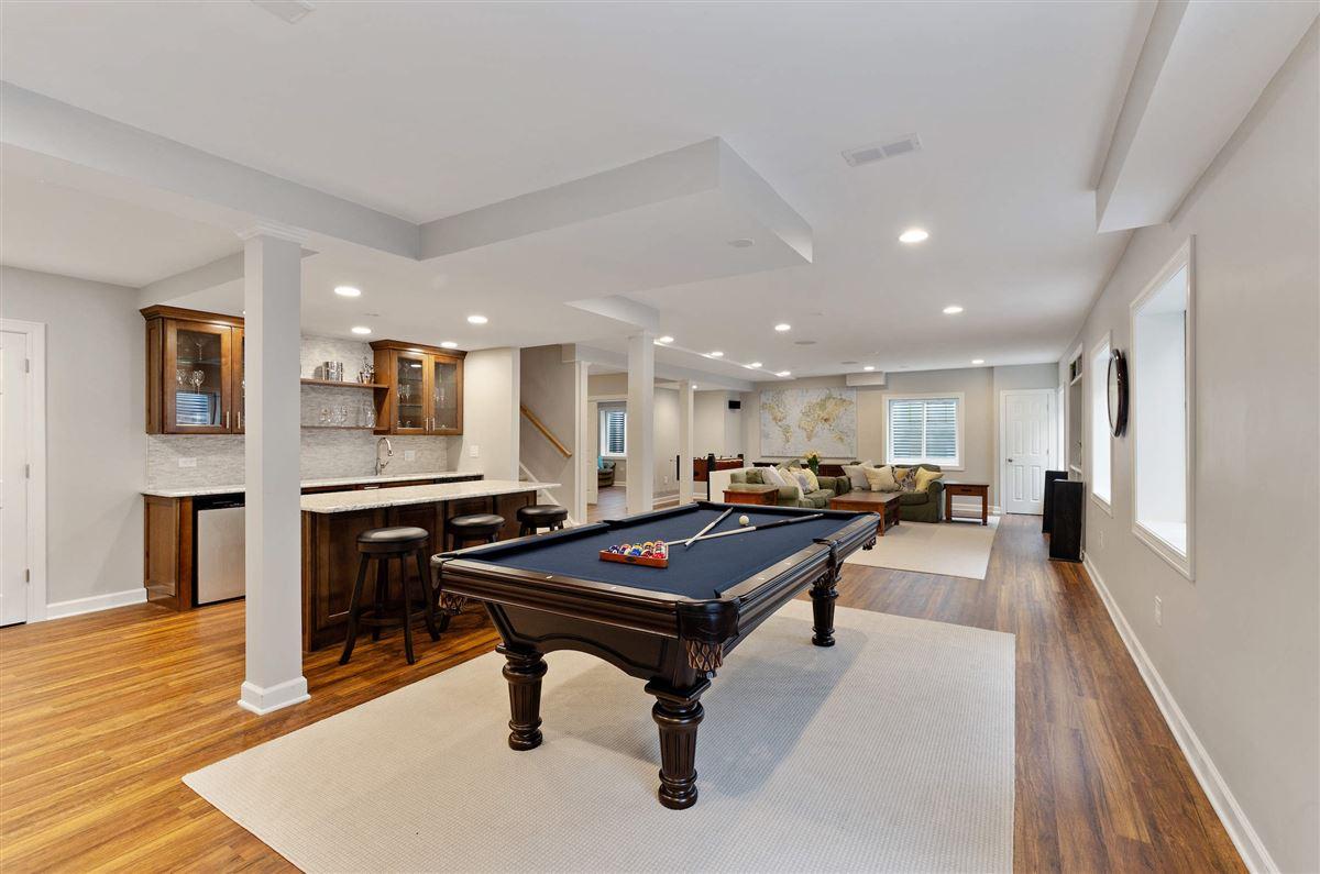 Luxury properties BEAUTIFUL, LIGHT-FILLED home