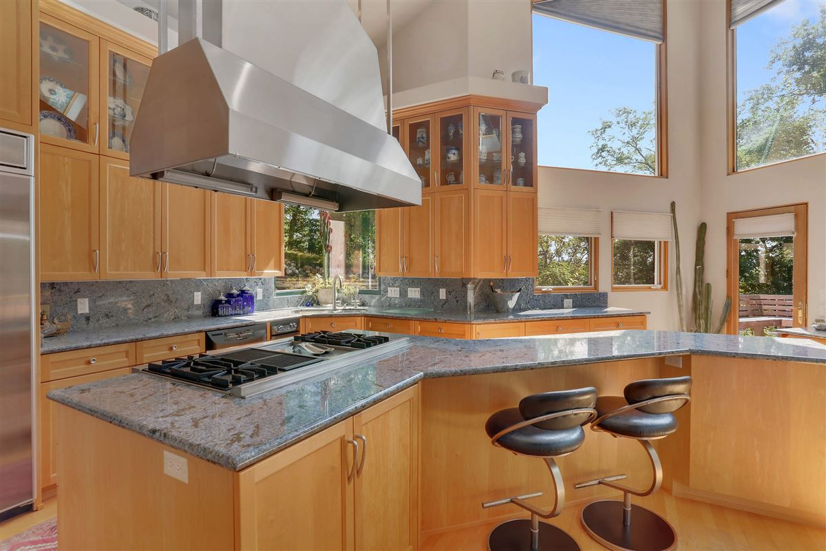 Luxury homes in well-appointed home includes a fabulous floor plan