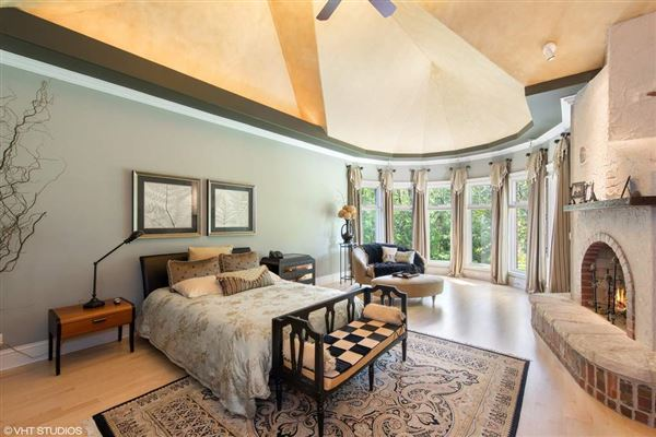 Luxury homes in significant estate without equal