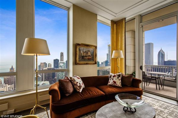 One of the best luxury floor plans in city mansions