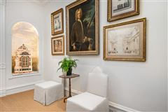 Luxury real estate fabulous Gold Coast 1898 row house