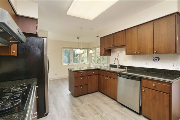 Luxury homes rental in a coveted East Glencoe location