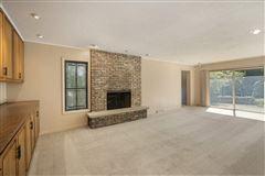 Luxury properties rental in a coveted East Glencoe location
