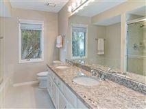 rental home in very convenient location luxury properties