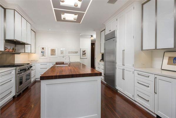 Luxury properties total renovation in premier Gold Coast co-op