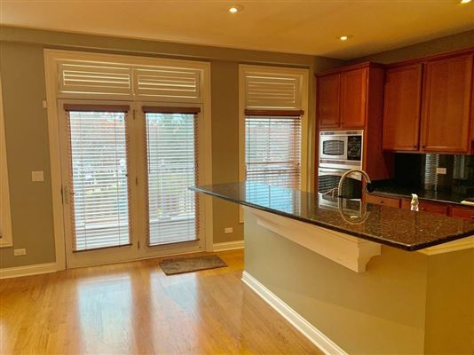Luxury homes Elegant Townhouse in The Glen offers Gorgeous sunset views of golf course