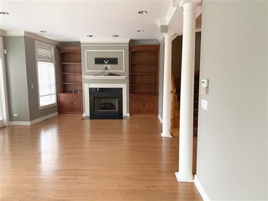 Elegant Townhouse in The Glen offers Gorgeous sunset views of golf course luxury real estate