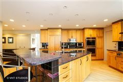fabulous home for rent in Northbrook mansions
