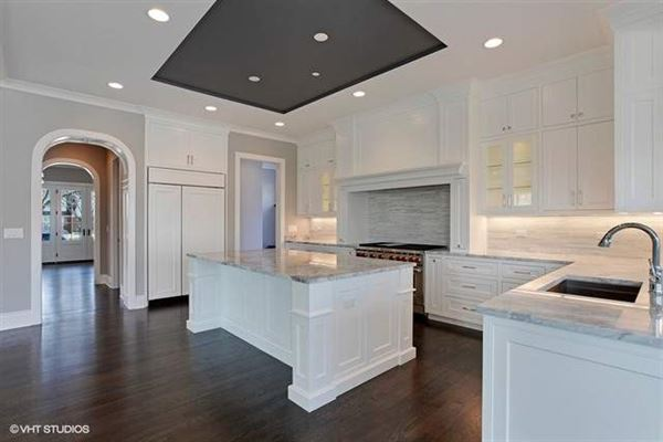 a private property in the woodlands luxury homes
