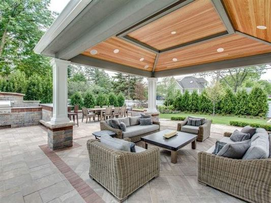 Luxury homes a private property in the woodlands