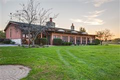 Luxury real estate Cloverleaf Ranch