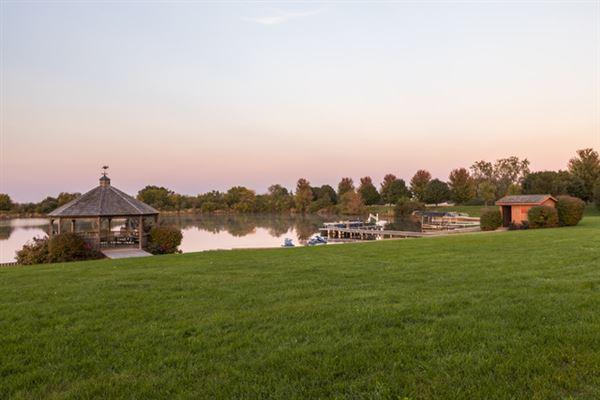 Luxury properties Cloverleaf Ranch