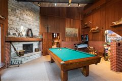 Luxury homes in Cloverleaf Ranch