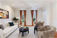 Mansions in Fully renovated newer construction home for rent
