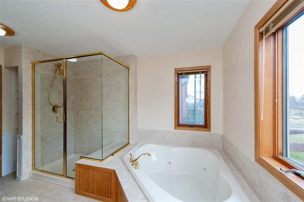 Amazing offering in Trinke Estates luxury properties