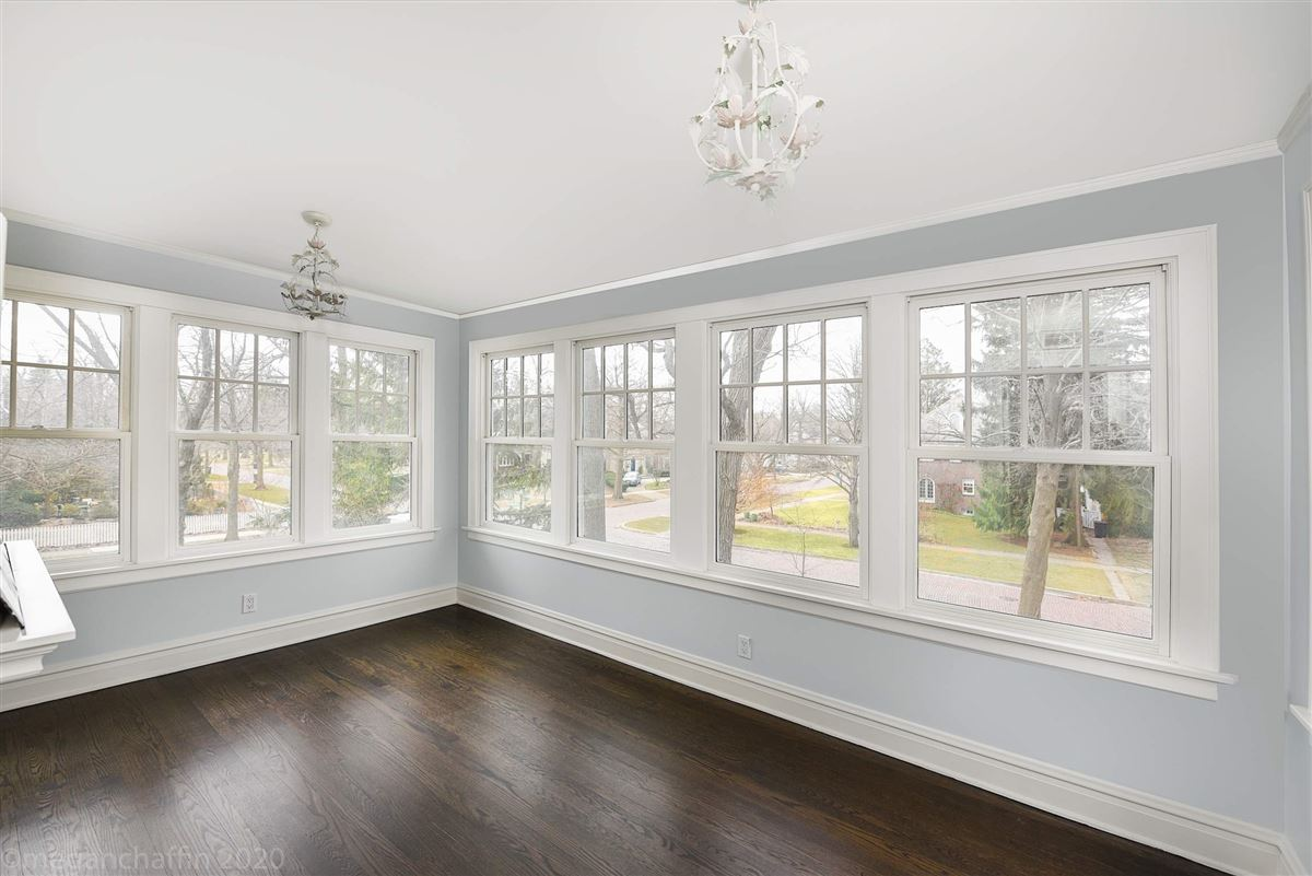 Luxury real estate beautifully renovated classic East Wilmette colonial