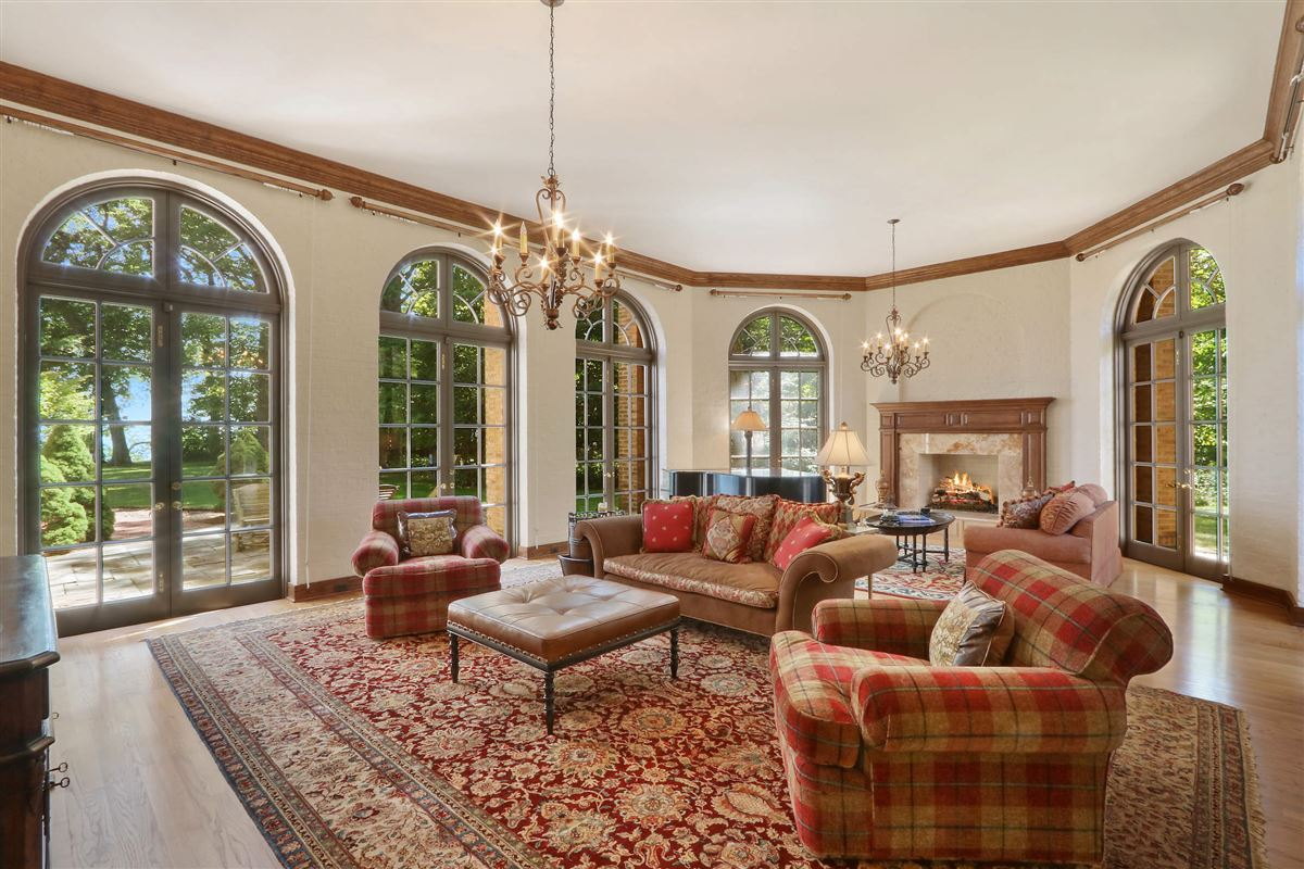 Luxury real estate magnificent estate is set on five acres
