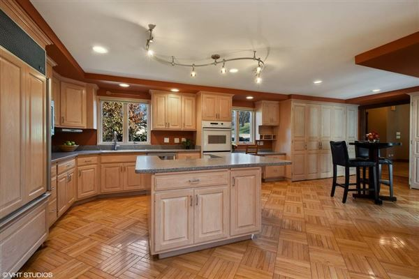 Luxury homes Welcome to your new home in Biltmore