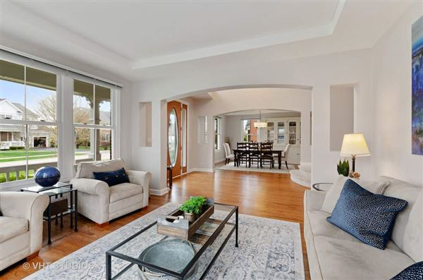 beautiful and spacious home in great location luxury homes