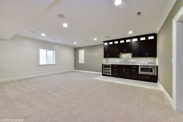Luxury properties Truly remarkable new construction