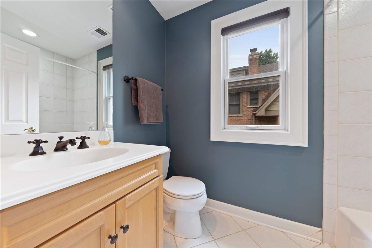 Luxury New home luxury properties