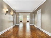 a prestigious East Lake Shore Drive address luxury homes