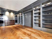 a prestigious East Lake Shore Drive address luxury properties