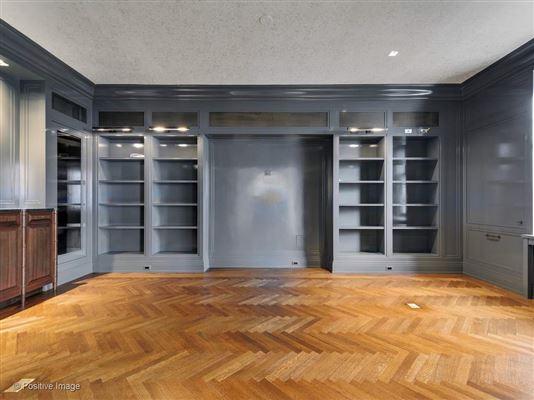 Luxury properties a prestigious East Lake Shore Drive address