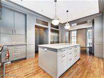 Luxury homes a prestigious East Lake Shore Drive address