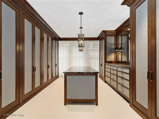 Mansions a prestigious East Lake Shore Drive address