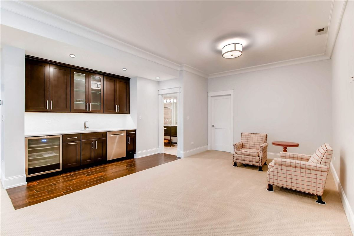 Mansions Simply spectacular newer construction home