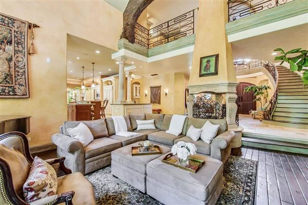 Magnificent French Provincial Residence on gorgeous grounds luxury properties