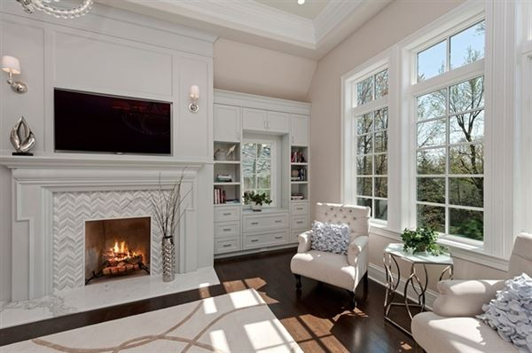 Luxury real estate Magnificent Colonial style home