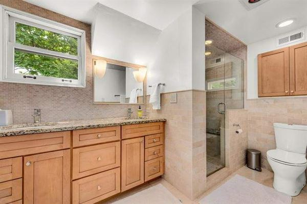 Mansions in Impeccably maintained home