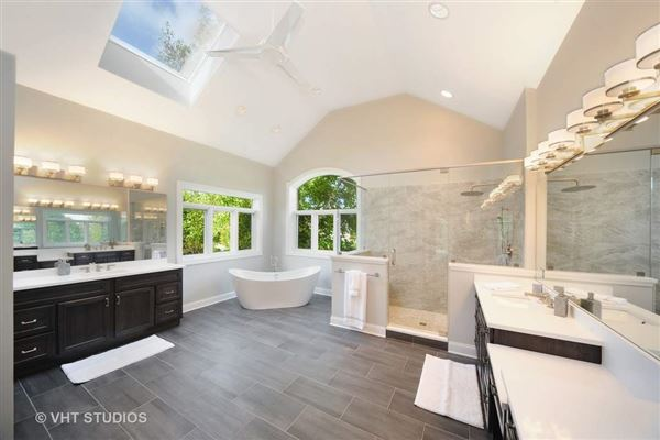 Mansions in bright and inviting ranch home for rent
