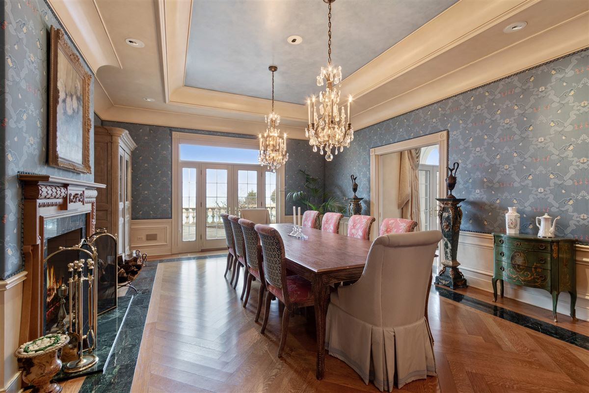 Luxury homes in magnificent 12-plus-acre estate on Lake Michigan