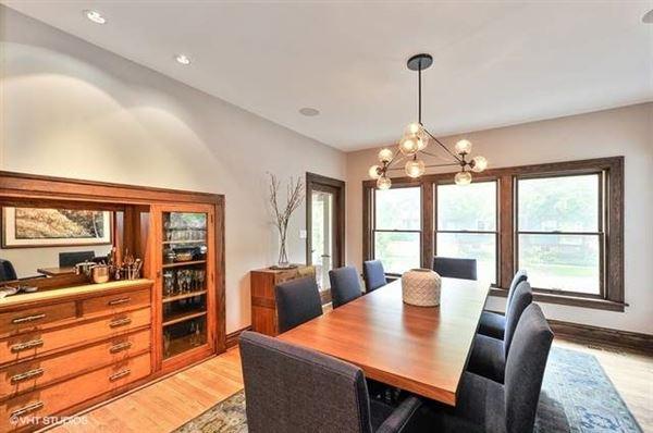 Luxury properties Exquisite six-bedroom Prairie style home