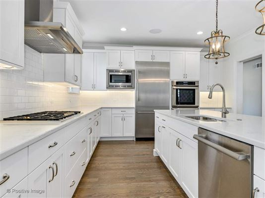 Gorgeous Anets Woods home with amazing upgraded features luxury real estate